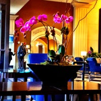 Foto tomada en DoubleTree by Hilton Hotel Chicago O'Hare Airport - Rosemont por Craig F. el 6/13/2012