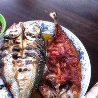 Photo taken at Seri Mesra Ikan Bakar & Seafood by ♡♥ deiana ♥♡ on 9/8/2012