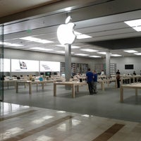 Photo taken at Apple Bellevue Square by Samson N. on 9/13/2012