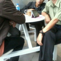 Photo taken at Caffe d'library @ UTHM by Azlan on 3/9/2012