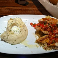 Photo taken at LongHorn Steakhouse by Tammy H. on 6/8/2012