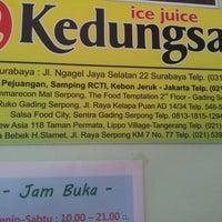 Photo taken at Ice juice & Ayam panggang Kedungsari by Bing K. on 8/12/2012