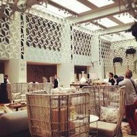 Photo taken at Hotel Mandarin Oriental by Vanesa R. on 6/18/2012