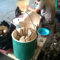Photo taken at Sate Maranggi Mang Ace by endang a. on 9/11/2012