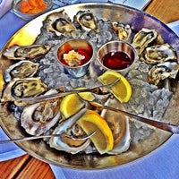 Photo taken at Hank's Oyster Bar by Lisa B. on 6/2/2012