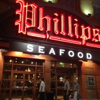 Photo taken at Phillips Seafood by SooFab on 3/13/2012