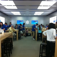 Photo taken at Apple Store, Bridgewater by Ernie A. on 6/2/2012
