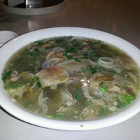Photo taken at Xe Lua Vietnamese Cuisine 火車頭 by Jeffrey L. on 4/22/2012