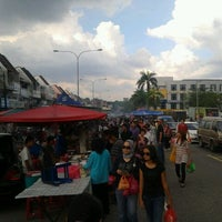Photo taken at Pasar Malam TTDI by Bryan B. on 7/22/2012