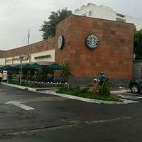 Photo taken at Starbucks by Pepe C. on 7/18/2012