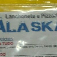 Foto tirada no(a) Alaska Lanchonete e Pizzaria por Felipe B. em 6/20/2012