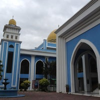 Photo taken at Masjid Al Rahimah Kuala Kubu Bharu by nfatienr on 3/8/2012