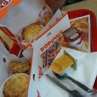 Photo taken at Popeyes Louisiana Kitchen by Isaac on 7/16/2012