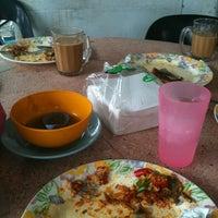 Photo taken at Restoran Causeway Nasi Padang Ina by Nas S. on 4/19/2012