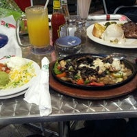Photo taken at Chili's Grill & Bar Restaurant by Ilyas R. on 8/14/2012