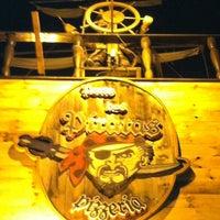 Photo taken at Pizzaria Cara de Mau by Rodrigo Otavio d. on 4/29/2012