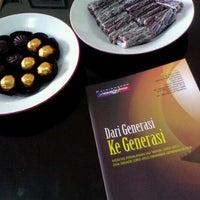 Photo taken at Jenang Kudus - Mubarok by Bakti T. on 9/6/2012
