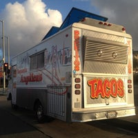 Photo taken at Angelica's Taqueria Taco Truck by Qyel V. on 4/12/2012