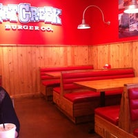 Photo taken at Hat Creek Burger Company by Rafael A. on 3/14/2012