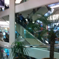Photo taken at Shopping Cidade by Roberto G. on 8/3/2012