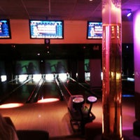 Photo taken at Frames Leisure Time Bowl by Jen B. on 5/11/2012