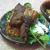Photo taken at Restoran Causeway Nasi Padang Ina by Ara I. on 4/28/2012