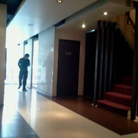 Photo taken at Grand Inn Hotel by tatum n. on 5/25/2012