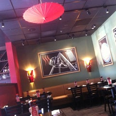 Photo taken at Flat Top Stir-Fry Grill by Patrick R. on 8/19/2012