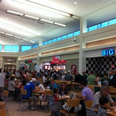 Photo taken at Chick-fil-A by Wei L. on 8/1/2012