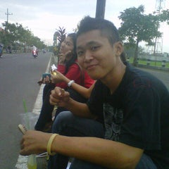 Photo taken at Jogging Track Benteng Pancasila by Zai C. on 4/30/2012