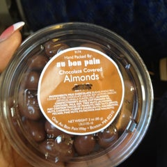 Photo taken at Au Bon Pain by Elyce I. on 3/17/2012