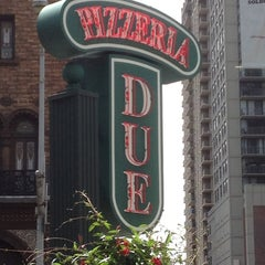Photo taken at Uno Pizzeria & Grill - Chicago by Jack K. on 6/14/2012
