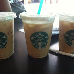 Photo taken at Starbucks by Moky on 4/11/2012