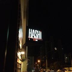 Foto tirada no(a) Hashi Sushi Bar por Ricardo N. em 6/30/2012