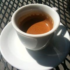 Photo taken at Peet's Coffee & Tea by talays on 7/27/2012