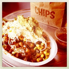 Photo taken at Chipotle Mexican Grill by Areliis R. on 7/21/2012