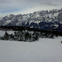 Photo taken at Consorzio Skipass  Paganella by NEVEITALIA on 12/22/2011