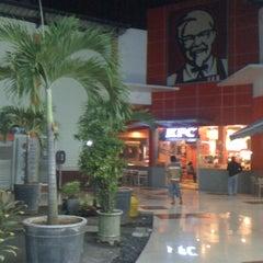 Photo taken at KFC by Mastry Washiludin S. on 7/14/2012