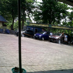 Photo taken at DNA Car Wash (Empang) by Muhammad I. on 10/16/2011
