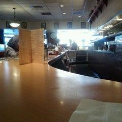 Photo taken at Du-par's Restaurant & Bakery by Mike D. on 11/26/2011