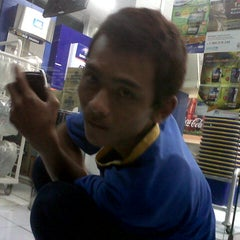 Photo taken at Indomaret by Andi S. on 8/22/2012