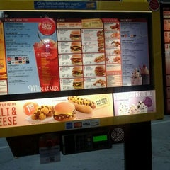 Photo taken at SONIC Drive In by Ayee Khiddeey on 1/30/2012