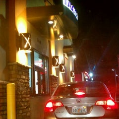 Photo taken at Taco Bell by Hollyhood™ on 11/6/2011