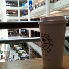 Photo taken at The Coffee Bean & Tea Leaf by Joshua L. on 2/17/2012