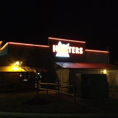 Photo taken at Hooters by Steve I. on 3/20/2012