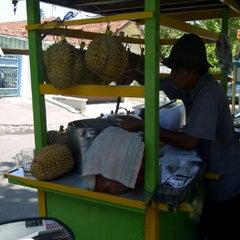 Photo taken at Segitiga Erlangga Food Court by ika a. on 9/22/2011