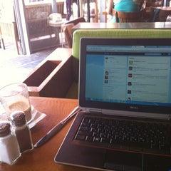 Photo taken at Landwer Café (קפה לנדוור) by Amit M. on 5/29/2012