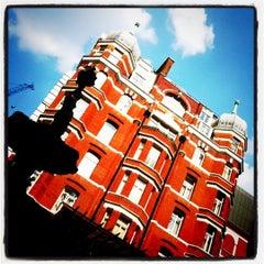 Photo taken at Crowne Plaza London - St James by Akshayraj U. on 4/23/2011
