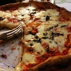Photo taken at Pizzaria Speranza by Marco K. on 5/1/2012