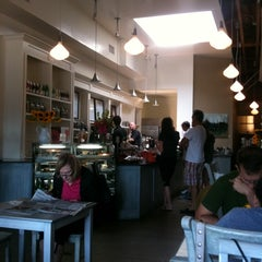Photo taken at Caffe Luxxe by Olof M. on 7/17/2011
